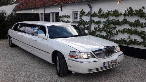 Photo limousine blanche