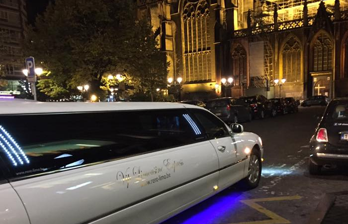 vie nocturne avec limousine location limousines yves. Black Bedroom Furniture Sets. Home Design Ideas