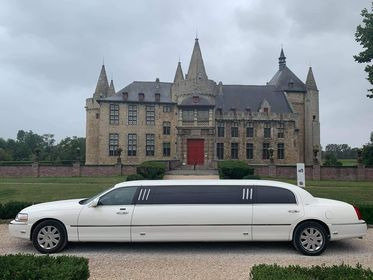Witte lincoln limousine