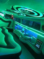 rolls-royce-limousine-binnen-groen-licht