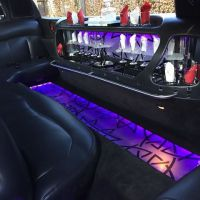 zwarte-limousine-binnen