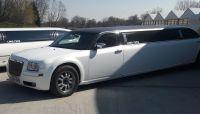 wit-zwarte-chrysler-limousine