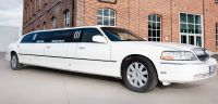 lincoln-limousine-voor-pakhuis