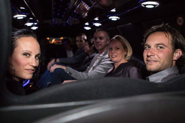 Teambuilding start in limousine